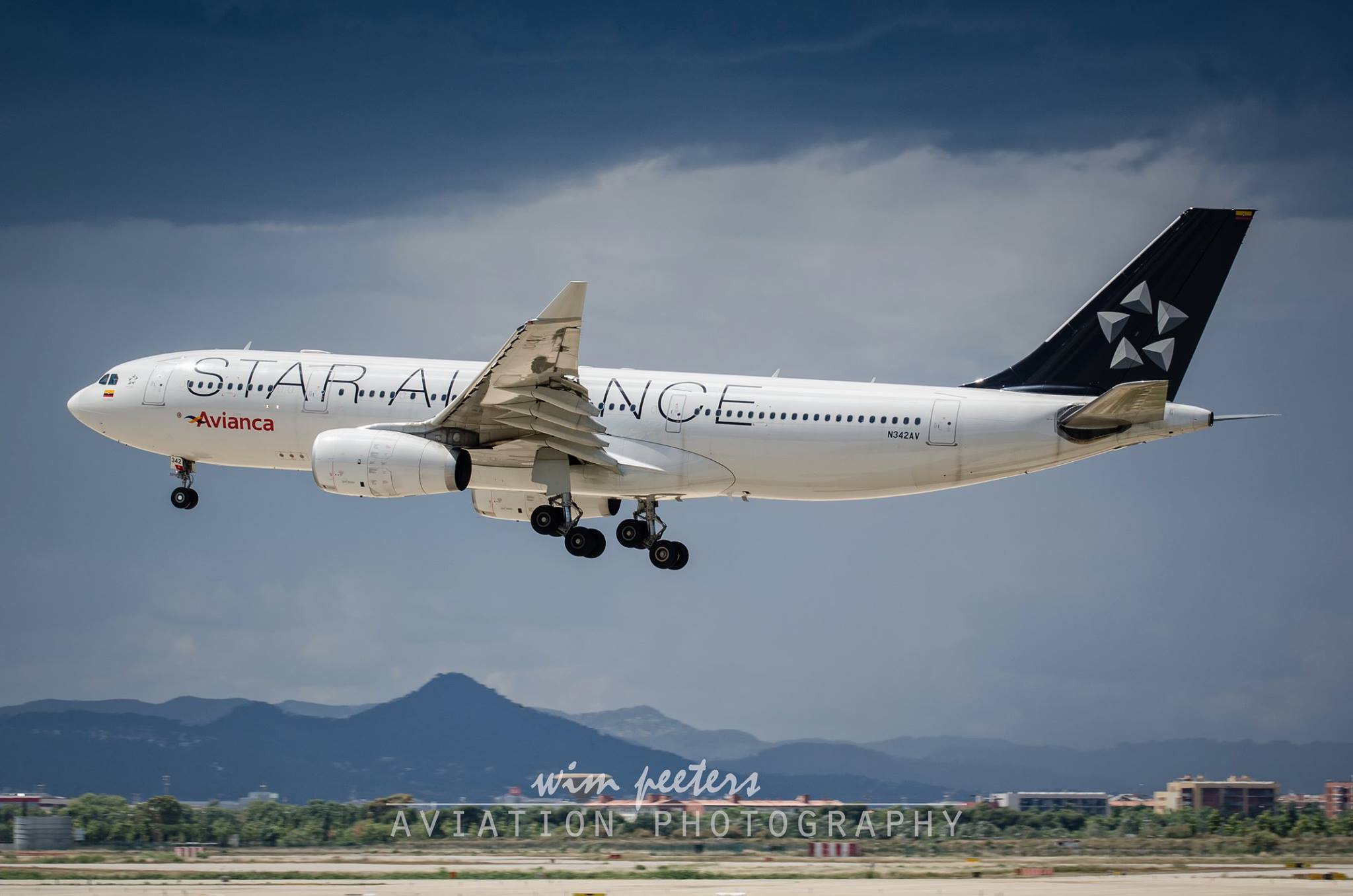 Avianca Airbus A330 - Star Alliance - copyright Wim Peeters