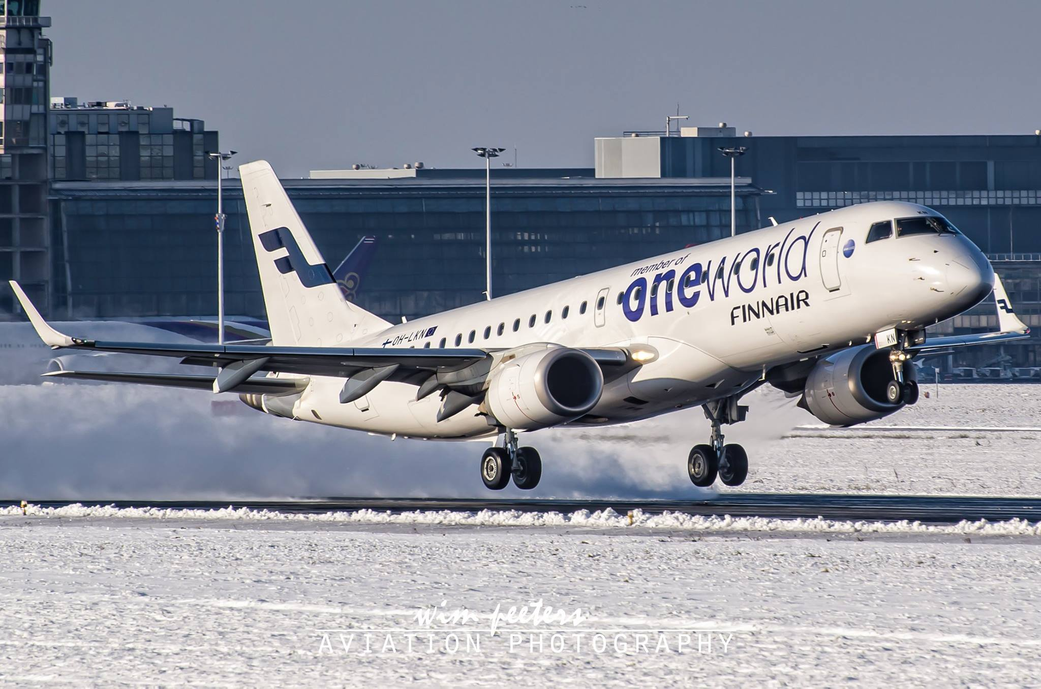 Finnair 'oneworld' Embraer 190 - copyright Wim Peeters
